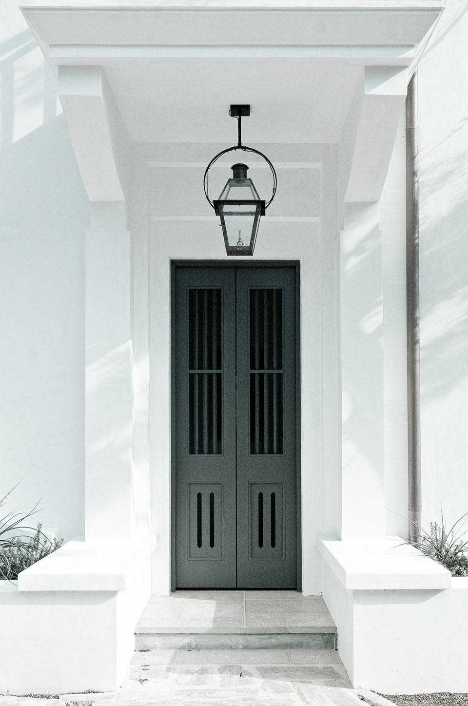 McNamara-Alys Beach House-Hogpenny Lane-Exterior-Entry