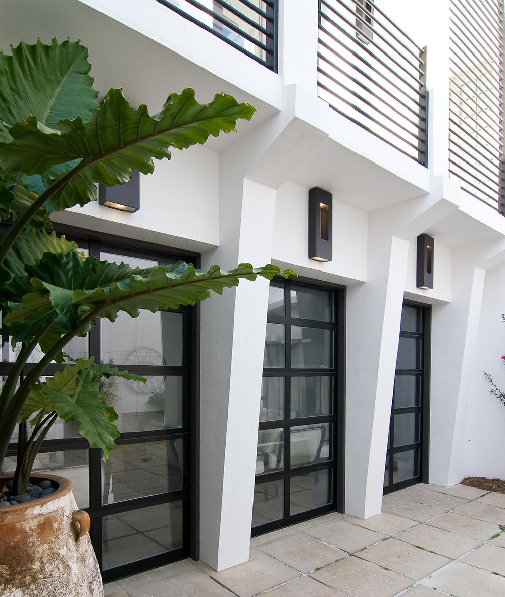 McNamara-Alys Beach House-Hogpenny LaneExterior-Courtyard-Door